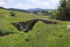 La Bulgarie, pont médiéval Photographie stock