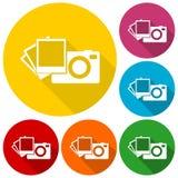 La cámara con los iconos de las fotos fijó con la sombra larga Fotografía de archivo libre de regalías