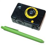 La cámara miniatura de la película del vintage fue producida en la Unión Soviética fotos de archivo