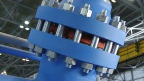 La cámara se mueve al compresor azul acabado moderno hermoso metrajes