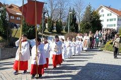 La célébration de la première sainte communion Images libres de droits