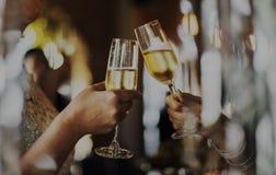 La célébration de partie d'amitié de femmes boit le bonheur Conce d'acclamations Image stock