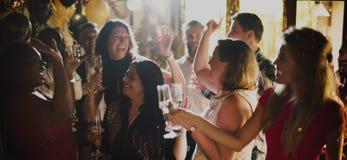 La célébration de partie de personnes boit le concept de bonheur d'acclamations Photos stock
