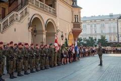 La cérémonie est le voeu des premières classes du lycée de janv. III Sobieski Photographie stock libre de droits