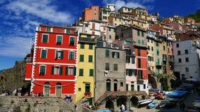 La côte colorée en Cinque Terre, Corniglia, Italie Images stock