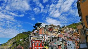 La côte colorée en Cinque Terre, Corniglia, Italie Photos stock