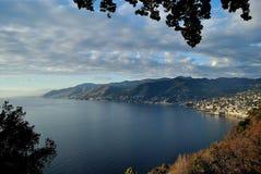 La côte de Gênes pendant l'hiver Image libre de droits