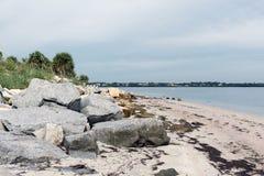 La côte du Golfe du Mexique en Fred Howard Park, la Floride, Etats-Unis photos stock