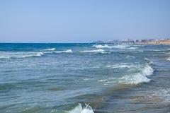 La côte méditerranéenne avec la plage sablonneuse Del Segura, Espagne de Guardamar Photo stock