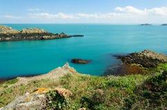 La côte rocheuse dans la Bretagne Photos stock