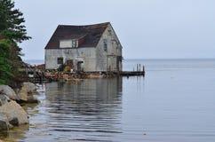 La cabaña vieja de la pesca Fotos de archivo