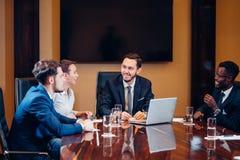 La cabeza de la compañía habla sobre éxito del nuevo negocio foto de archivo