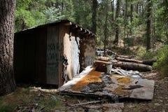La cabina del minero acanalado de la lata cerca del Prescott, Arizona Imágenes de archivo libres de regalías