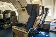 La cabina di passeggero di Boeing 747-400 immagini stock