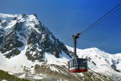 La cabina più bassa della cabina di funivia di Aiguille du Midi, Chamonix-Mont-Blanc Immagine Stock