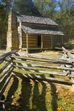La cabine de logarithme naturel, crique de cades, les montagnes fumeuses grandes stationnent Photos libres de droits