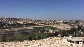 La cacerola sali? de la cantidad de Jerusal?n, Israel seg?n lo visto del monte de los Olivos almacen de metraje de vídeo