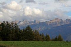 La cadena de Lagorai en otoño Fotografía de archivo libre de regalías