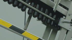 La cadena de producción del plástico embotella la fábrica almacen de metraje de vídeo