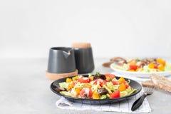 La calabaza y la carne de vaca de la carne asada de la ensalada de las verduras frescas Fotos de archivo libres de regalías