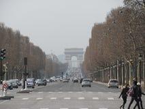 La calle central de París fotografía de archivo libre de regalías