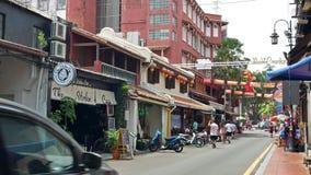 La calle de Jonker es la calle del centro de Chinatown en Malaca, Malasia metrajes