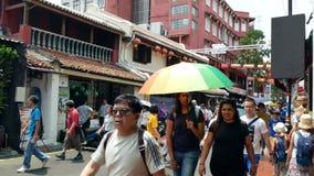 La calle de Jonker es la calle del centro de Chinatown en Malaca almacen de metraje de vídeo