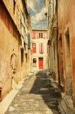 La calle en Arles Foto de archivo libre de regalías