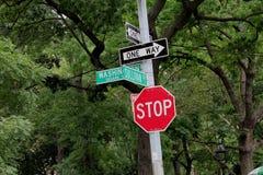 La calle firma adentro New York City Fotografía de archivo