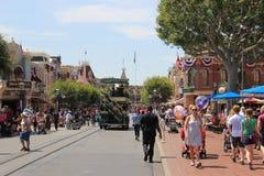 La calle principal, los E S A en Disneyland California Fotos de archivo
