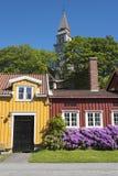La calle residencial de madera colorida contiene Bakklandet Strondheim Imagen de archivo