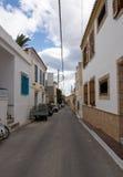 La calle típica en la isla de Aegina Imágenes de archivo libres de regalías