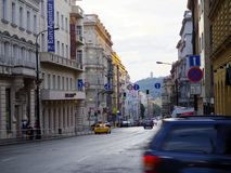 La calle y el tráfico señal adentro Europa imágenes de archivo libres de regalías