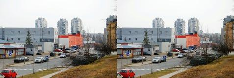 La calle y los nuevos edificios en Pasilaiciai Fotos de archivo