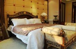 La camera da letto di lusso Fotografie Stock Libere da Diritti