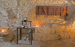 La camera e gli strumenti di tortura dallo Spissky fortificano Immagini Stock