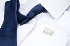 La camicia bianca dell'uomo Immagini Stock