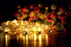 La candela ha acceso la cultura tailandese nel giorno di Asalha Puja, il giorno di Magha Puja, Visakha Puja Day fotografie stock libere da diritti