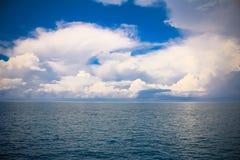 La capa de nubes del mar Imagenes de archivo