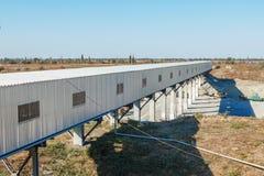 La capacité de production d'usines de sucre Affaires - horizon de ville d'agrafes Image stock