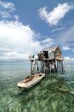 La capanna di legno del pescatore di Bajau Fotografie Stock Libere da Diritti