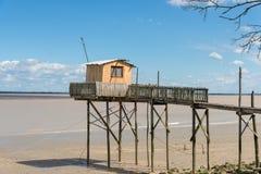 La capanna di pesca sui trampoli ha chiamato Carrelet, l'estuario di Gironda, Francia Fotografia Stock Libera da Diritti