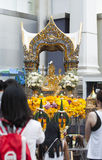 La capilla de Erawan abrió de nuevo después de la restauración después de la bomba 2015 de Bangkok Imagen de archivo