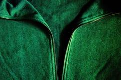 la capilla verde sudó la camisa llena de la cremallera Imágenes de archivo libres de regalías