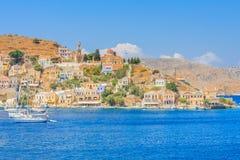 La capital de la isla de Symi - Ano Symi Área de Harani Imagenes de archivo