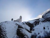 La cappella della montagna in afferma la valle, Svizzera Fotografia Stock Libera da Diritti