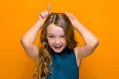 La cara de la muchacha adolescente feliz juguetona Imagen de archivo libre de regalías