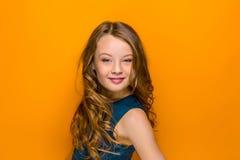 La cara de la muchacha adolescente feliz juguetona Imagen de archivo
