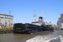 La carga interior envía en los leks del río que transportan el seafreight a los puertos en Alemania y Suiza fotografía de archivo