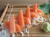 La carne de cangrejo o el cangrejo de imitación pega el ` de Kani del ` Fotografía de archivo
